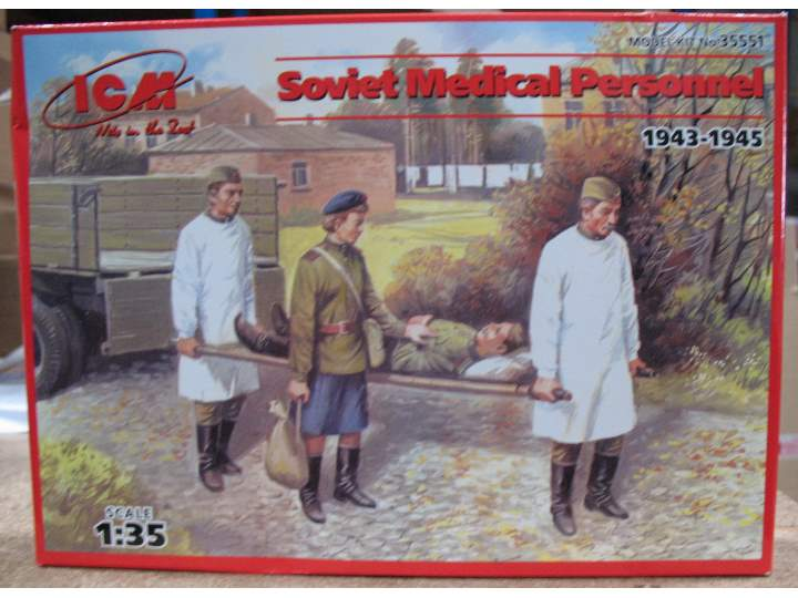 ICM 1/35 35551 - Soviet Medical Personnel (1943-1945)