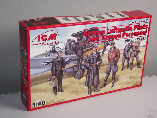 ICM 1/48 48082 - WWII Luftwaffe Pilots and Ground Personnel 39-45