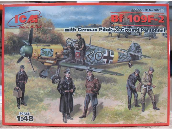 ICM 1/48 48803 - Messerchmitt Bf 109F-2 with Pilots and Ground crew