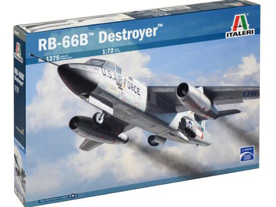 Italeri 1/72 1375 RB 66 - B Destroyer
