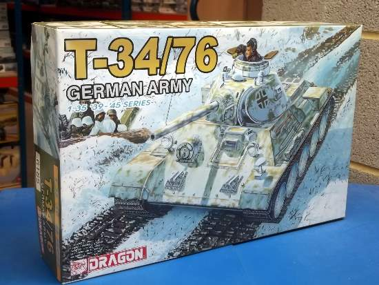Dragon 1/35 6185 T-34/76 German Army Date: 00's
