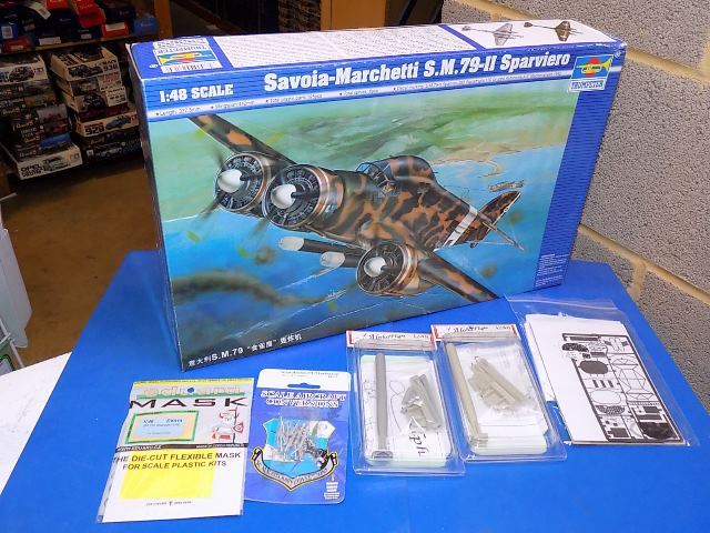Trumpeter 1/48 02817 Savoia Marchetti SM79-II w/ Extras Date: 00's