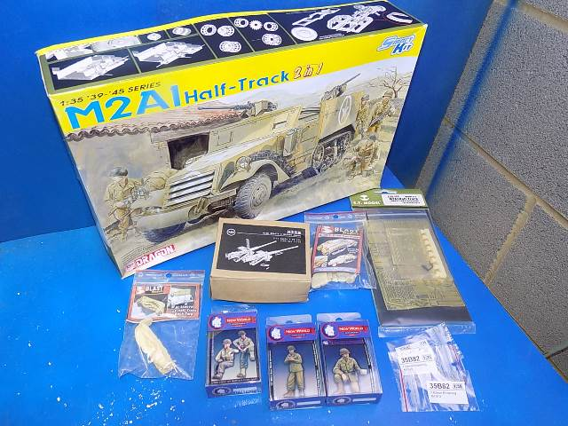 Dragon 1/35 6329 M2A1 Half Track w/ Extras Date: 00's