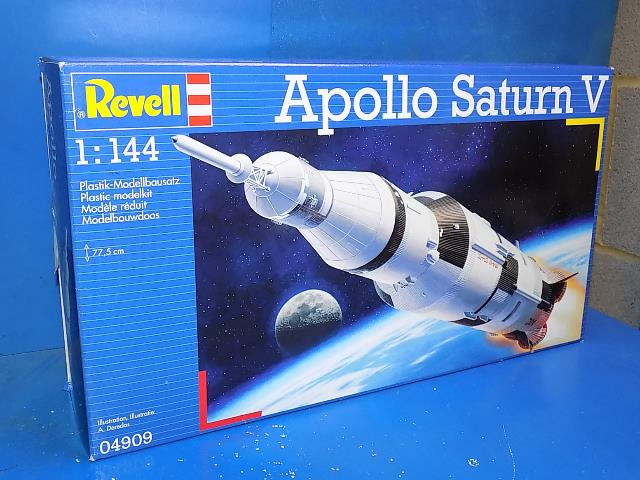Revell 1/144 04909 Apollo Saturn V Date: 00's