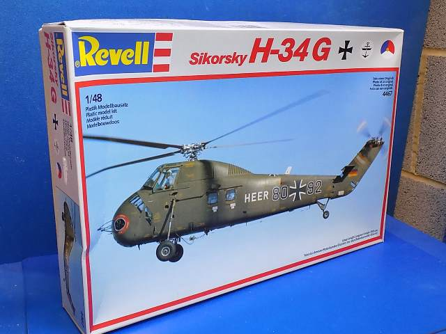 Revell 1/48 4467 Sikorsky H-34G Date: 80's