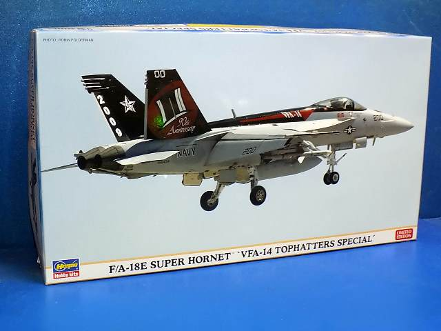 Hasegawa 1/72 00999 F/A-18E Super Hornet 'VFA-14 Tophatters Special' Date: 00's