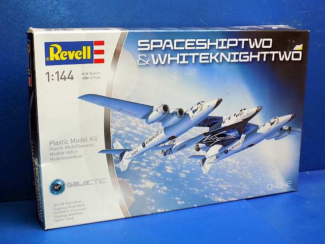 Revell 1/144 04842 Spaceshiptwo and Whiteknighttwo Date: 00's