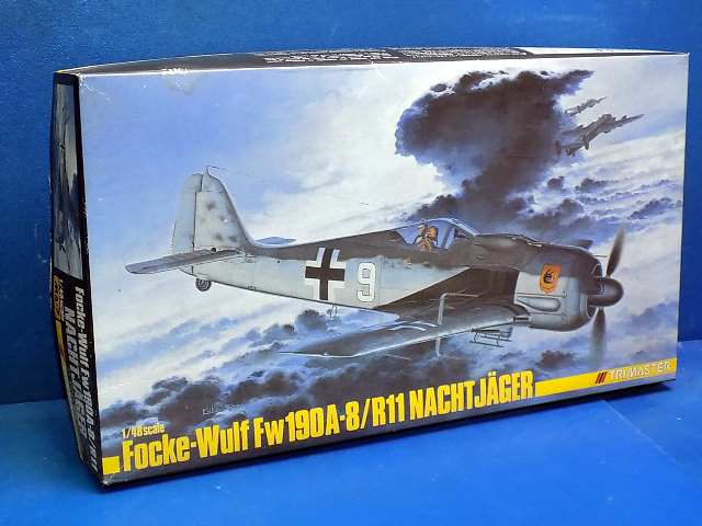 Trimaster 1/48 MA7 Fw190A-8/R11 Nachtjager (Cracked Decals) Date: 00's