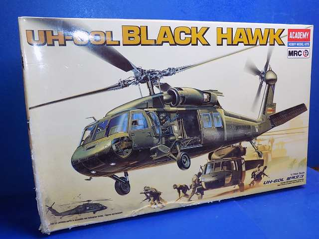 Academy 1/48 2192 UH-60L Black Hawk Date: 00's