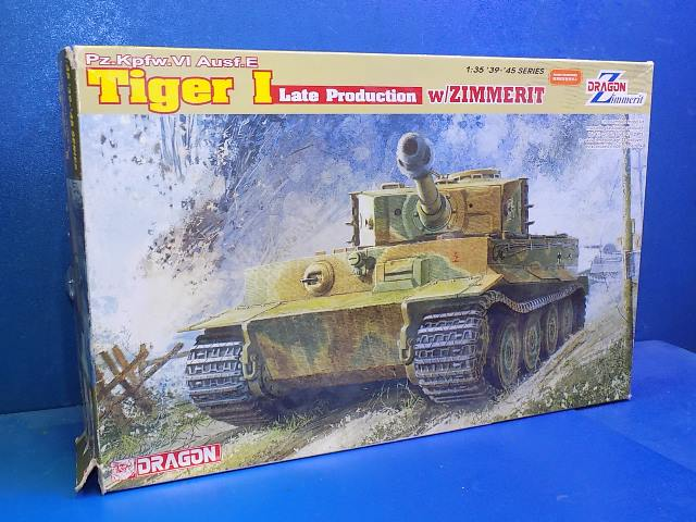 Dragon 1/35 6383 Tiger I Late w/ Zimmerit Date: 00's