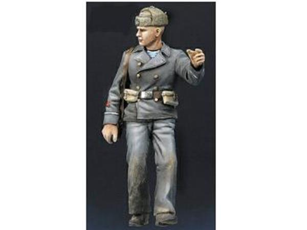 Mig Productions 1/35 35117 Soviet Naval Officer No 2