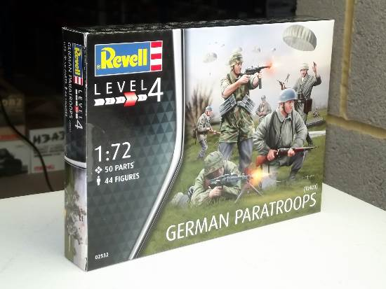 Revell 1/72 2532 German Paratroops (WWII)