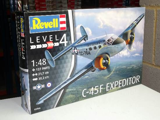 Revell 1/48 3966 C-45F Expeditor