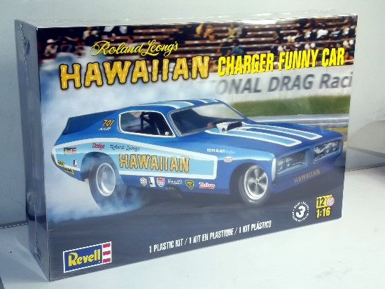 Revell Monogram 1/16 Hawaiian Charger Funny Car 4082