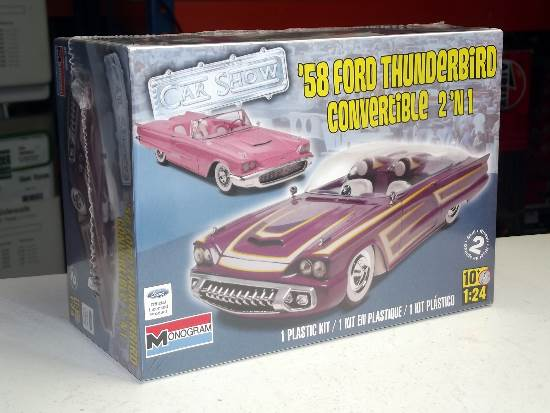 Revell Monogram 1/24 4280 1958 Ford Thunderbird Convertible 2 in 1