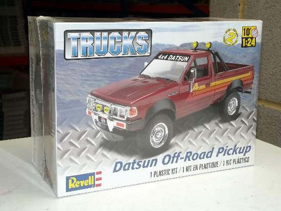 Revell Monogram 1/24 4321 Datsun Off-Road Pickup