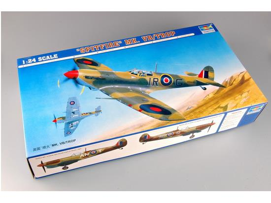 Trumpeter 1/24 02412 Supermarine Spitfire Mk.Vb Tropical