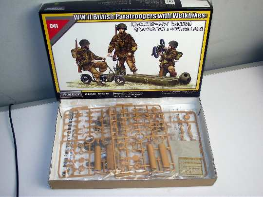 Tristar 1/35 35041 WWII British Paratroopers with Welbikes