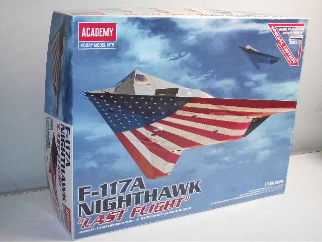 "Academy - Lockheed F-117A Nighthawk  ""Last Flight"" 1/48 12219"