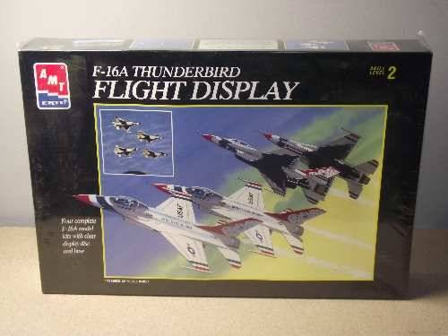 AMT - F-16A Thunderbird Display Team (4 kits and base) Scale 1/72 Date: 90's