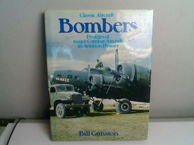 Books Classic Aircraft Bomber Profiles - Bill Gunston - Date: 1978