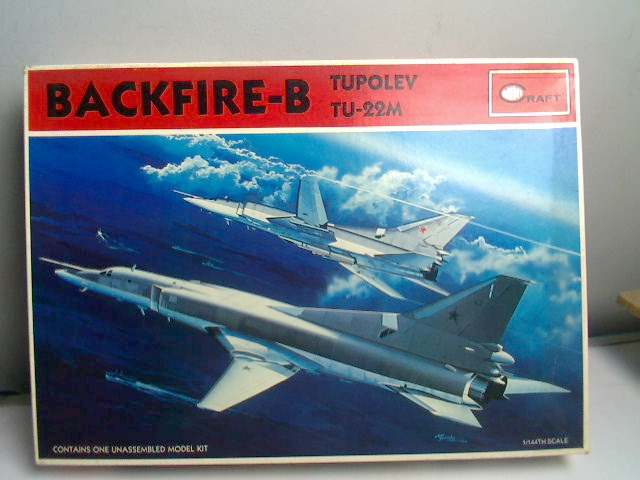 Minicraft 1/144 TU-22M Backfire B Date: 80's