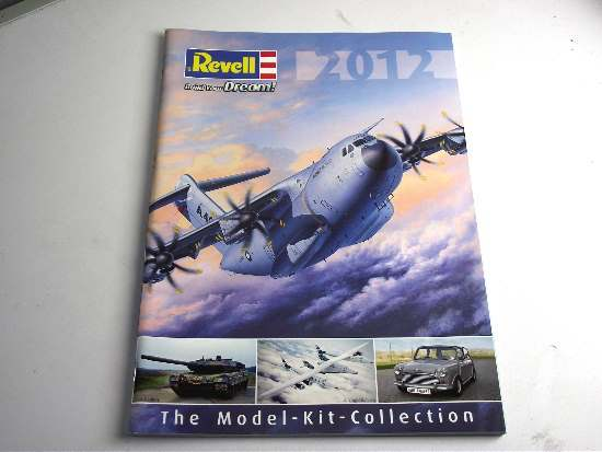 Revell 2012 Catalogue Scale na CAT2012