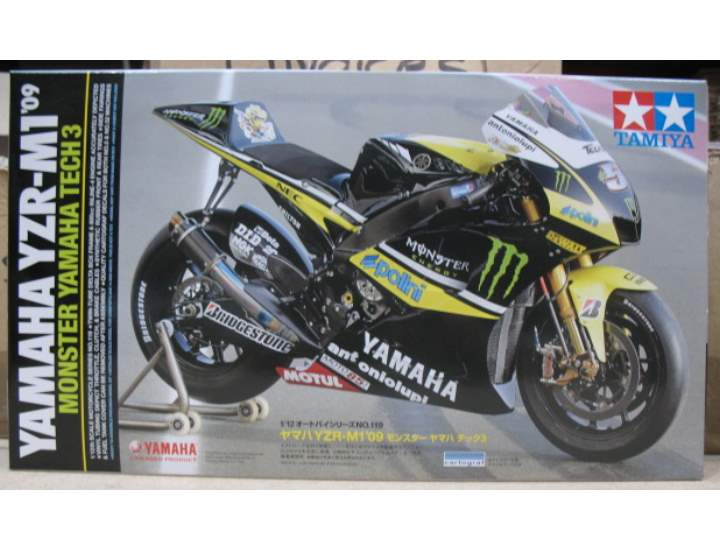 Tamiya YZR-M1 09 Monster Yamaha Tech3 Scale 1/12 14119