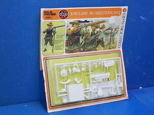 Airfix 54mm 01560 English Musketeer 1642 Date: 1976