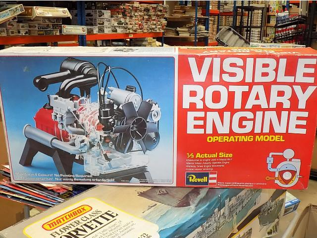 Revell 1/32 H913 Visible Rotary Engine (Motorized) Date: 1980's