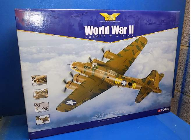 Corgi 1/72 33301 Aviation Archive - B-17F Flying Fortress Memphis Belle Date: 00's