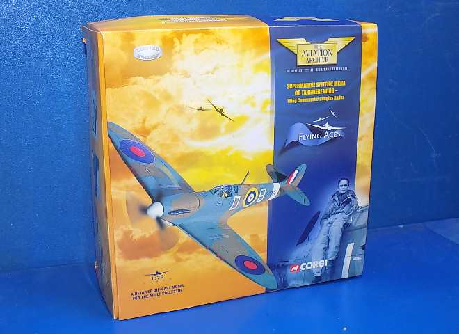 Corgi 1/72 49002 Aviation Archive - Spitfire Mk.IIA Tangmere Wing Douglas Bader Date: 00's