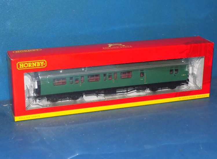 Hornby 00 R4888 BR Bullied Suburban Composite Brake 3rd Coach 'S 2851 S' Date: 00's