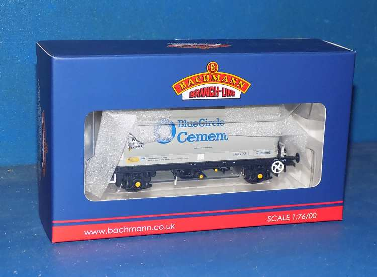 Bachmann 00 38-650 PCA Metailair Wagon Blue Circle Cement Date: 00's