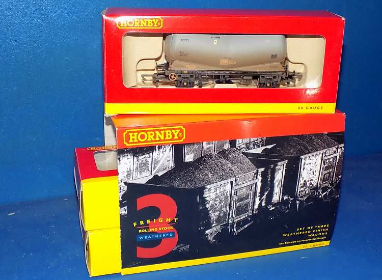 Hornby 00 R6388 3 Weathered V Alcan PCA Tank Wagons Date: 00's