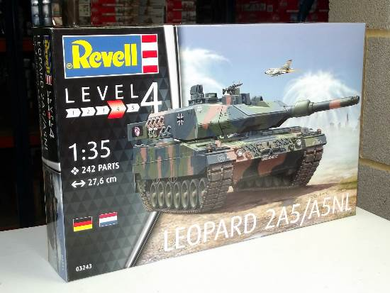 Revell 1/35 3243 Leopard 2A5/A5NL
