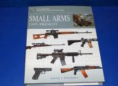Books - - Weapons Identification Guide - Small Arms 1945 Onwards Date: 00's