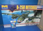 HK Models 1/32 01E03 B-25H Mitchell w/ SAC Metal Undercarriage Date: 00's
