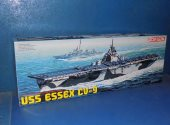 Dragon 1/700 7049 USS Essex CV-9 Date: 00's