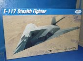 Testors 1/32 570 F-117 Stealth Fighter Date: 00's