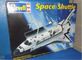 Revell 1/72 5085 Space Shuttle Date: 00's