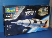 Revell 1/144 04909 Apollo 11 Saturn V Rocket Date: 00's