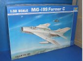 Trumpeter 1/32 2207 Mig-19S Farmer C Date: 00's