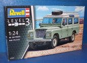 Revell 1/24 7047 Land Rover Series III LWB