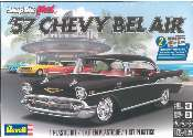 Revell Monogram 1/25 1529 57 Chevy Bel Air SnapTite Model