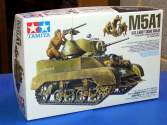 Tamiya 1/35 35313 M5A1 US Light Tank w/Figures